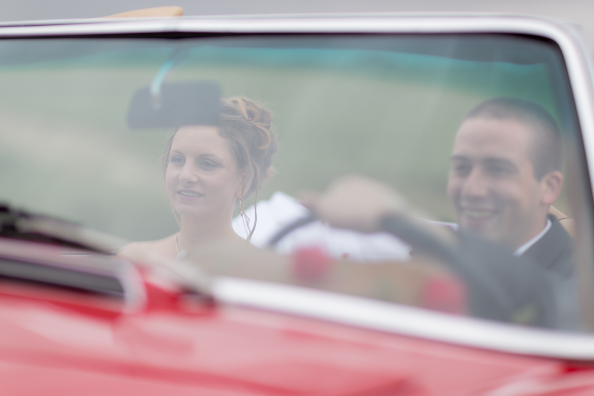 Séance couple dans une Mercedes 280 SL automatic cabriolet